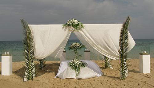 Sposarsi in riva al mare adesso è il momento