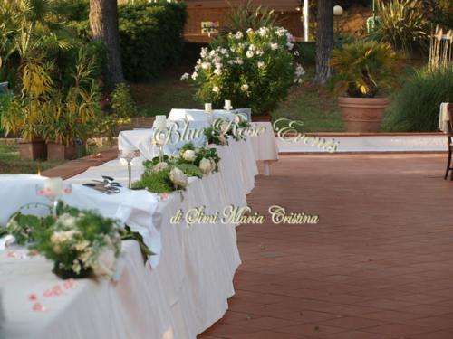 allestimento-floreale-tavolo-antipasti2